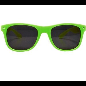 ✨3 for $20✨ Green Cavaliers Sunglasses